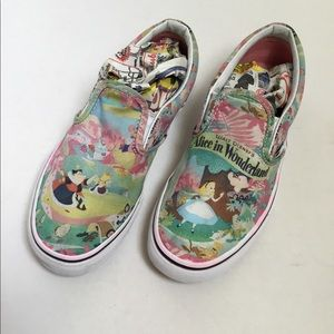 Alice In Wonderland Slip on canvas Vans kids 3